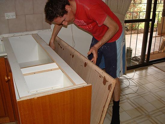 кухонная гарнитура перед покраской