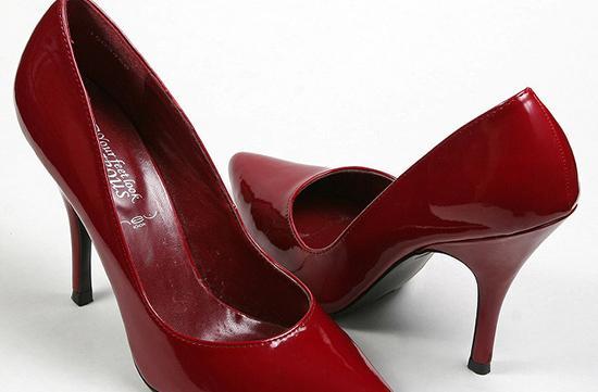 лакированая женская обувь