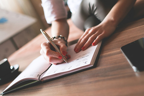 пишем ручкой на бумаге