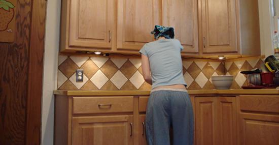 протираем кухню