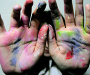 руки в чернилах