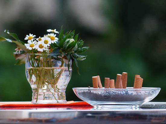 Как избавиться от запаха сигарет в квартире быстро и просто
