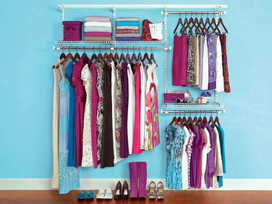 Хранение вещей в шкафу: как правильно разложить одежду