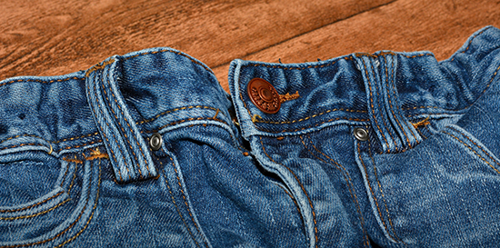 мокрые джинсы