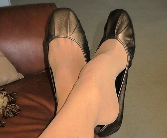 Как разносить тесную обувь (новую или старую), которая жмет в пальцах