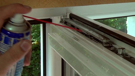 уход за фурнитурой пластикого окна