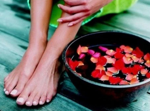 избавляемся от неприятного запаха ног