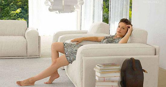Как почистить засаленный диван в домашних условиях