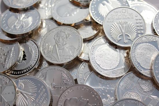 очищенные серебряные монеты