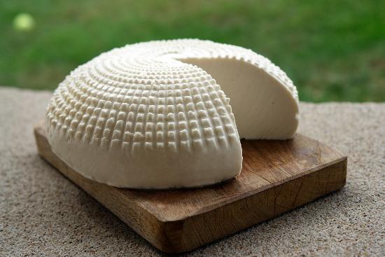 Как сохранить сыр в холодильнике долго свежим
