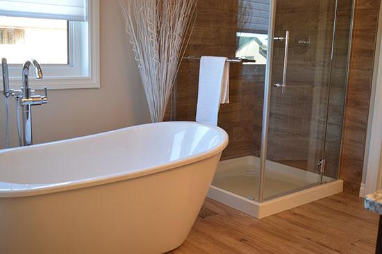 отмытая до бела ванна