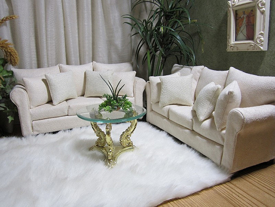 светлая мягкая мебель