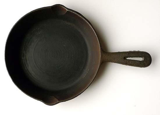 ржавчина на чугунной сковороде