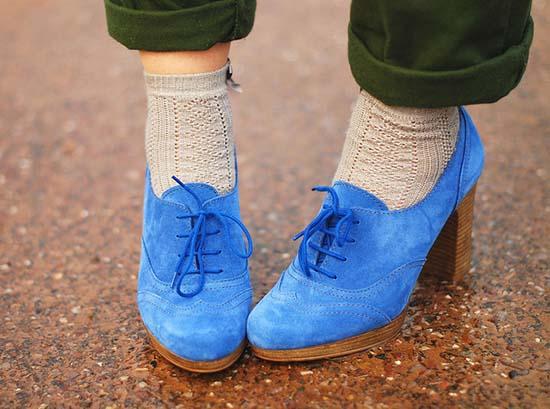 светлая замшевая обувь