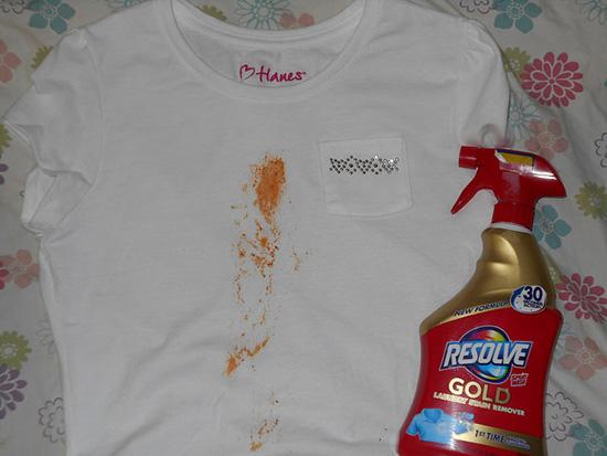 застарелое пятно на белой одежде