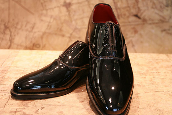 лаковая мужская обувь