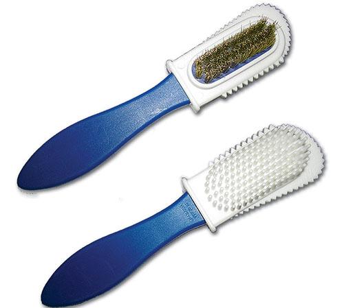 специальная щетка для чистки замшевой обуви