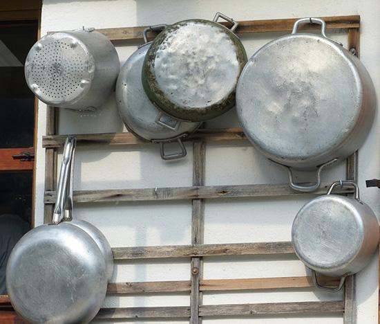 чистые алюминевые кастрюли