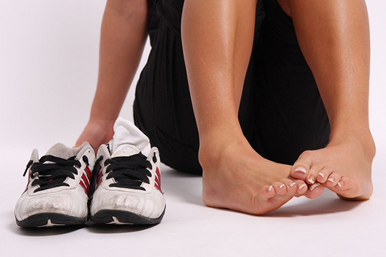 неприятный запах пота в обуви
