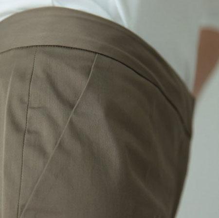 серые брюки от костюма