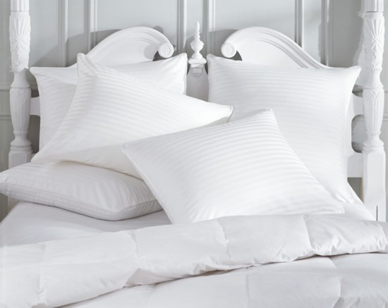 подушка с искуственным наполнителем